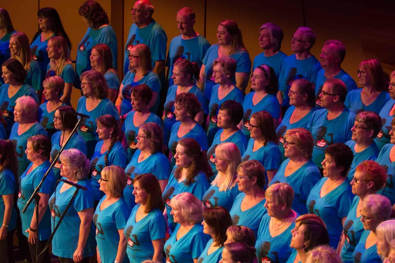 Cool Choir Rocks the Bella 2016 06